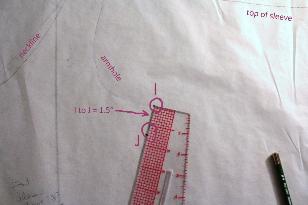 "Mark I at the armhole/side seam junction. Measure 1.5"" down, along the side seam, to mark J."